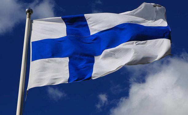 Yötön yö ja Suomen lipun päivä